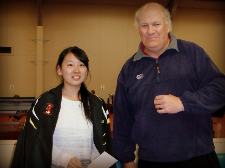 Ellen Xiong, 2013 Mike Flynn award Memorial winner (presented by Bruce Northover)