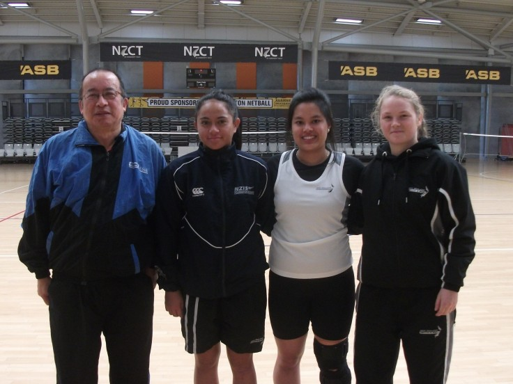 Malcolm Wong (Umpire) and Women Singles players Jocephy Daniels (Auckland), Nella Galang (Wellington) and Arna Roberts (Christchurch).